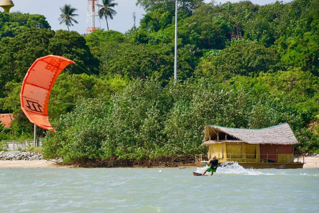 Кайтинг в Тайланде, обучение кайтсерфингу и кайт туры